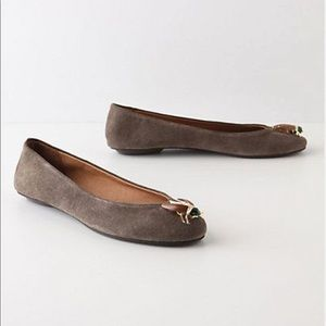 Anthropologie gray suede beetle flat shoes 10